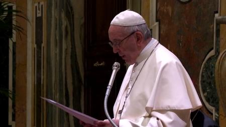 교황, 석유 기업 임원들에게 '신재생에너지 전환' 촉구