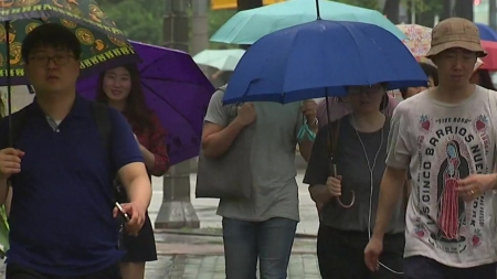 중부 흐리고 오후까지 비...남부 초여름 더위